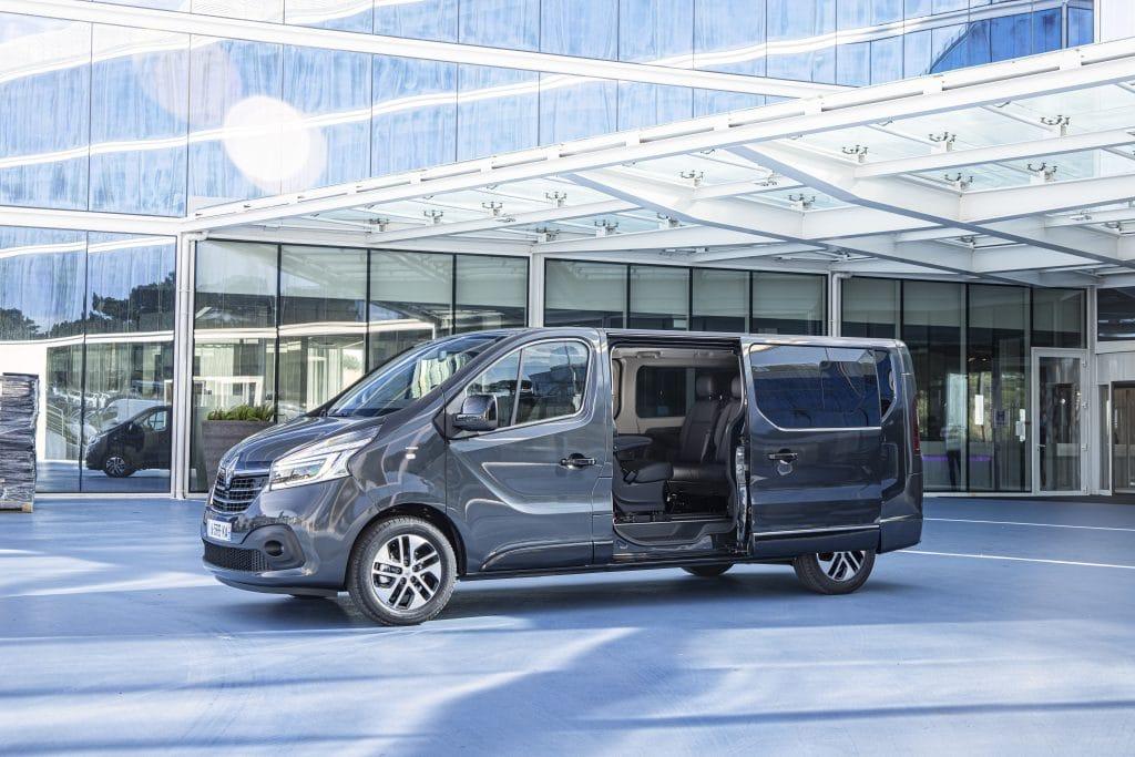 Renault Trafic Sport Crew Van Double Cab Grey