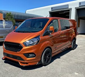 Ford Transit CUstom SPort Orange Glow 3