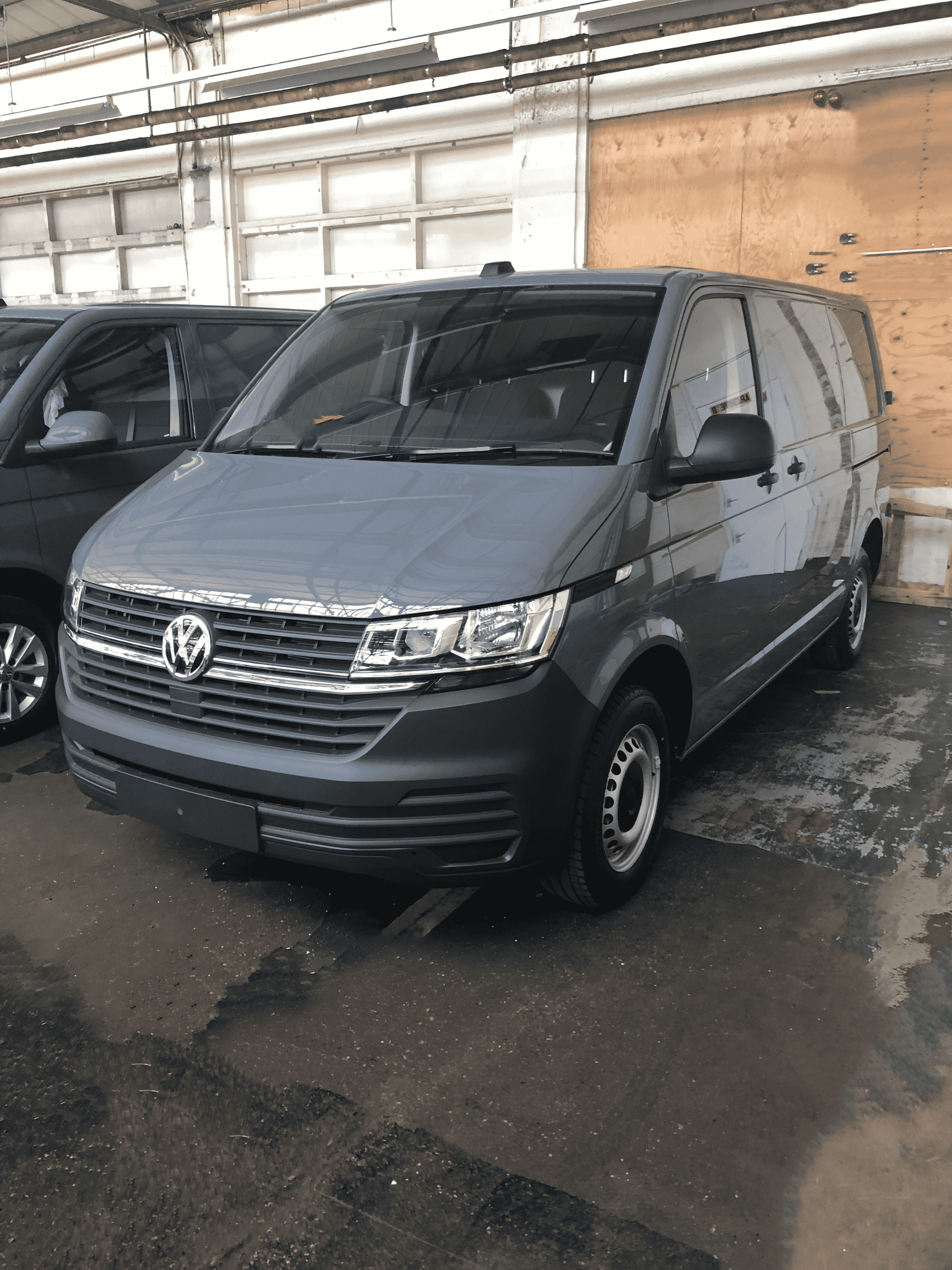 VW Transporter Kombi Pure Grey Startline 2020 Swiss Vans.
